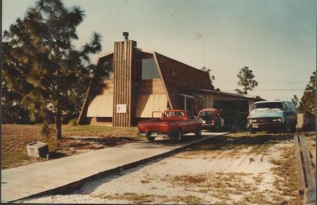 Denny's w Wood Driveway