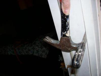 Hammer & Putty Knife to Remove PlasticTrim
